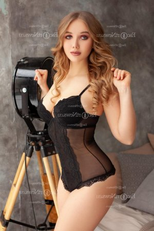 Meyssane outcall escort in Winchester