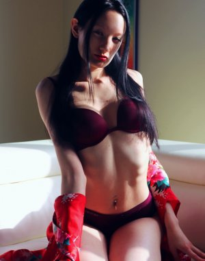 Anne-lorraine outcall escorts in Campton Hills IL